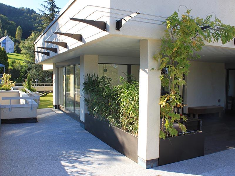 Terrasse mit Umschwung