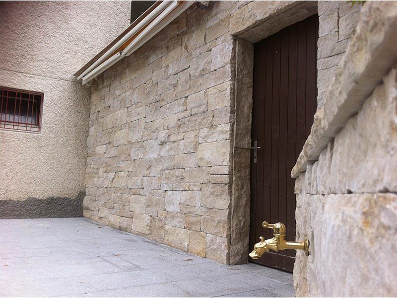 Etagen Mauer